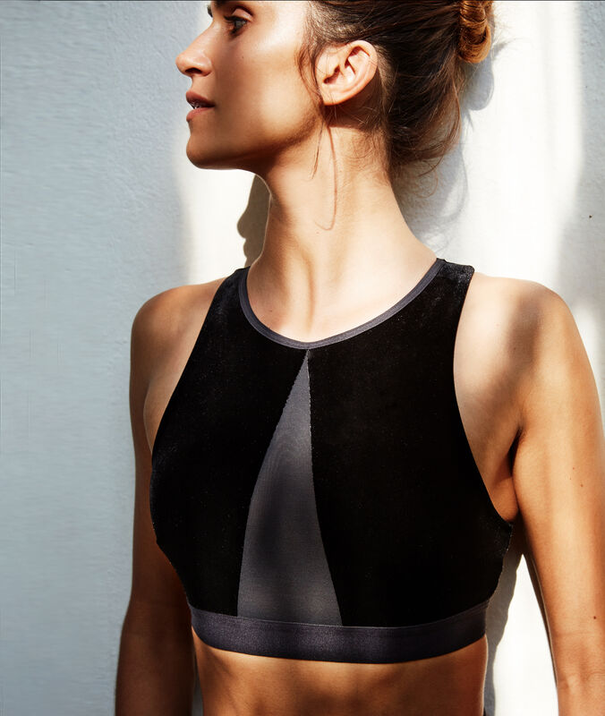 Velvet sports bra, removable foam pads - light support black.