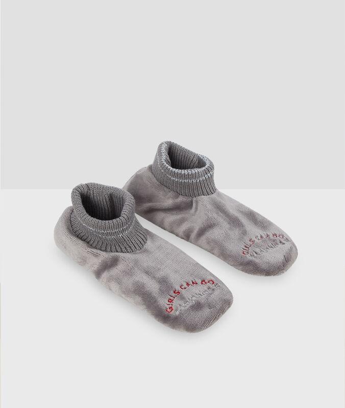 Faux fur slippers grey.