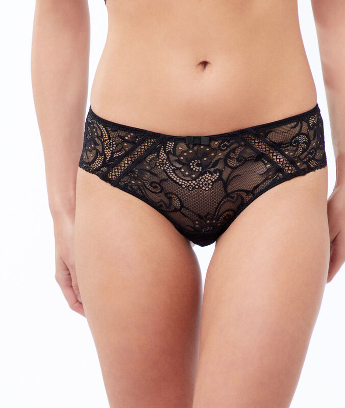 Cheeky in lace black.