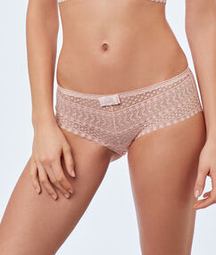 Lace shortys powder pink.