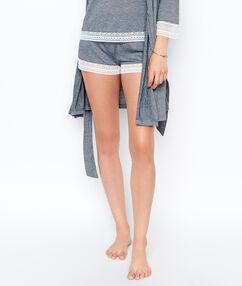 Shorts gray.