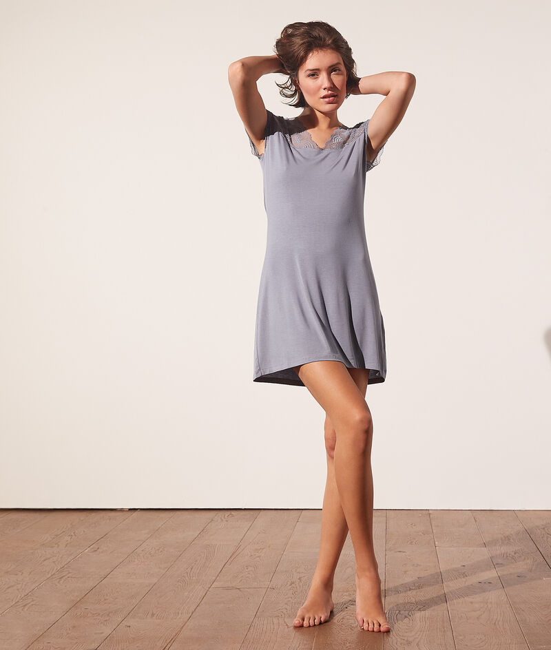 Sleeved nightshirt with lace details;${refinementColor}