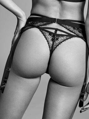 Fine lace garter black.