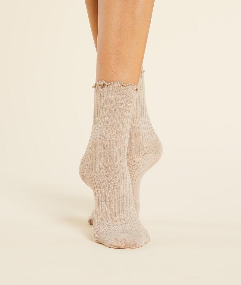 Chaussettes mode unies à volants;${refinementColor}