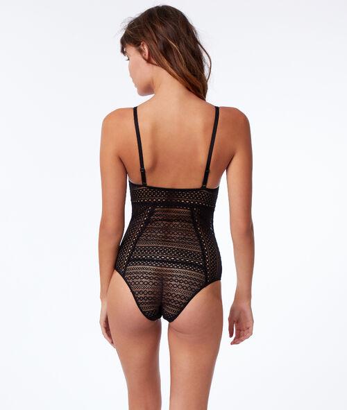 Geometric lace body