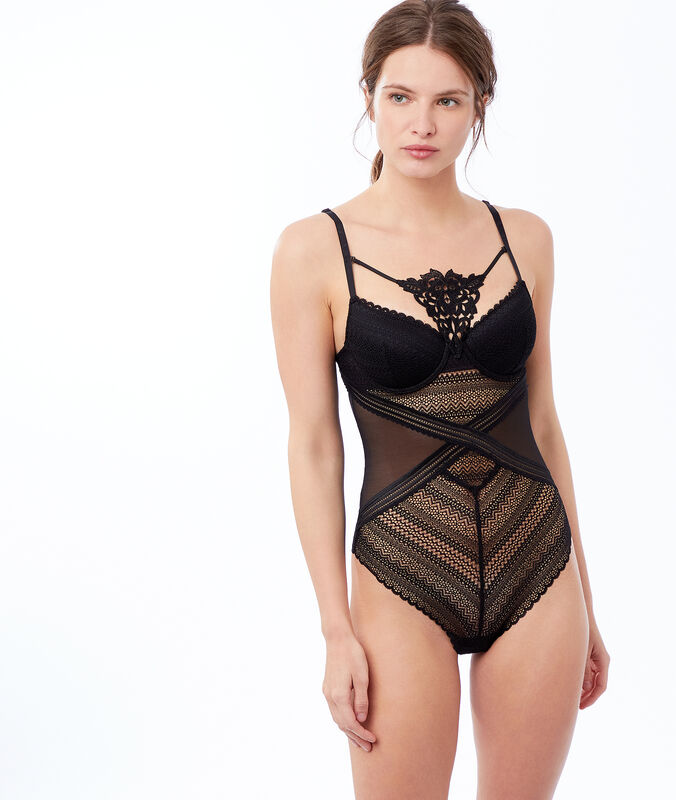 Padded lace bodysuit black.