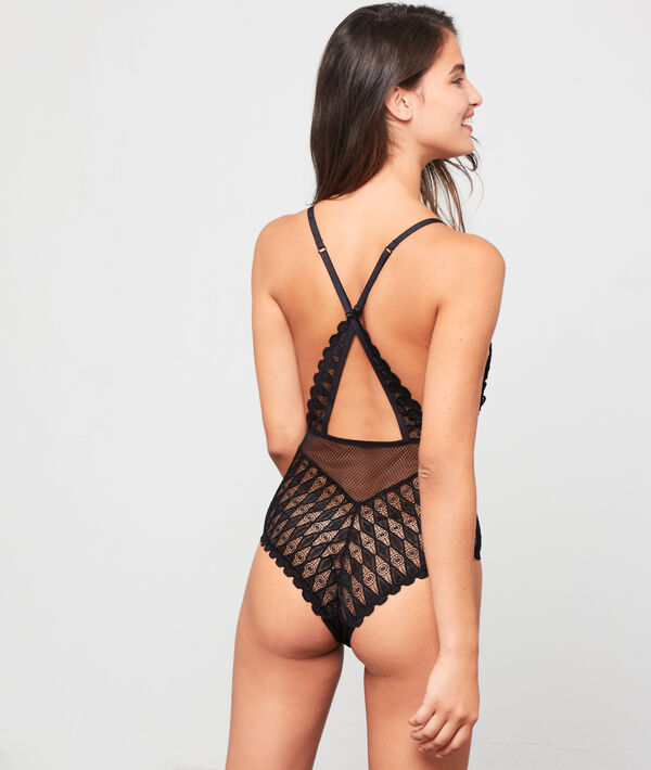 Lace body, crossed back