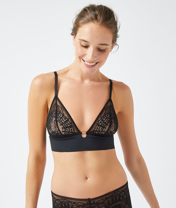 Non wired triangle bra;${refinementColor}