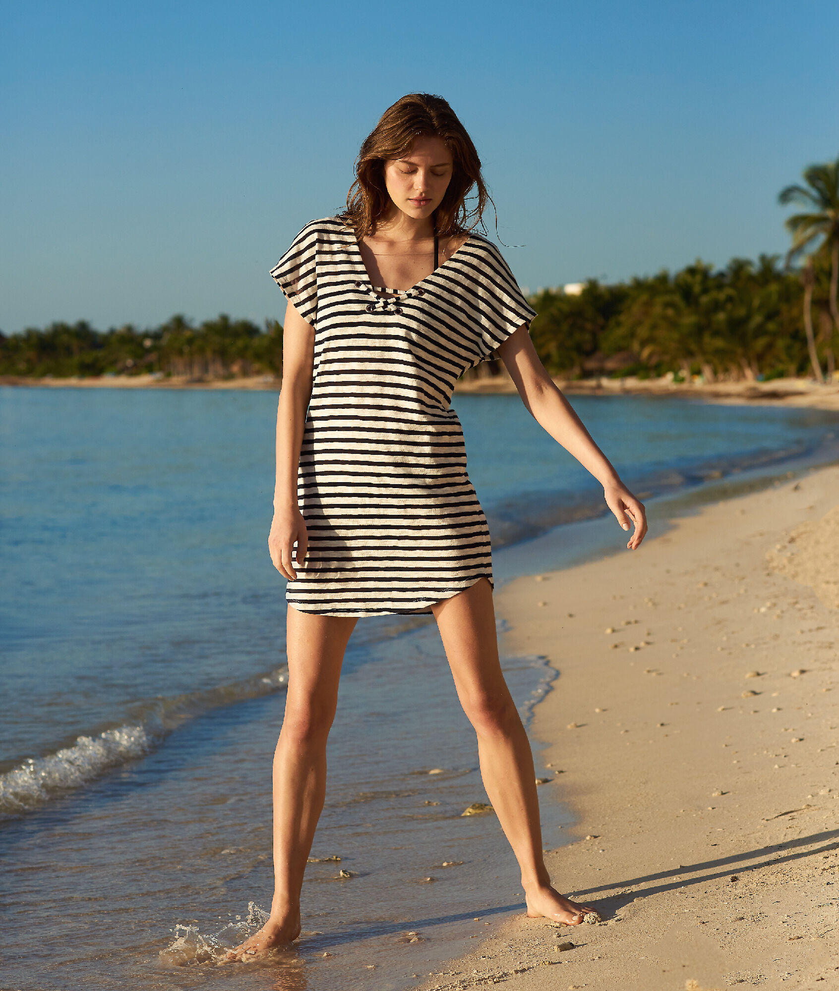 f6f2a4186e Beach cover up in stripe with eyelet detail - Etam