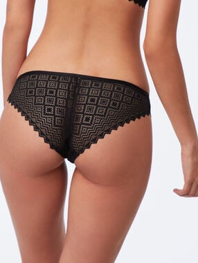 Geometric lace hipster knickers black/skin.