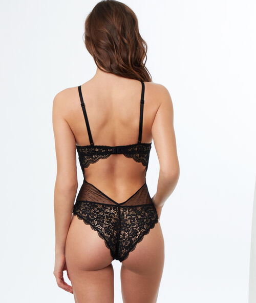 Lace and mesh padded body
