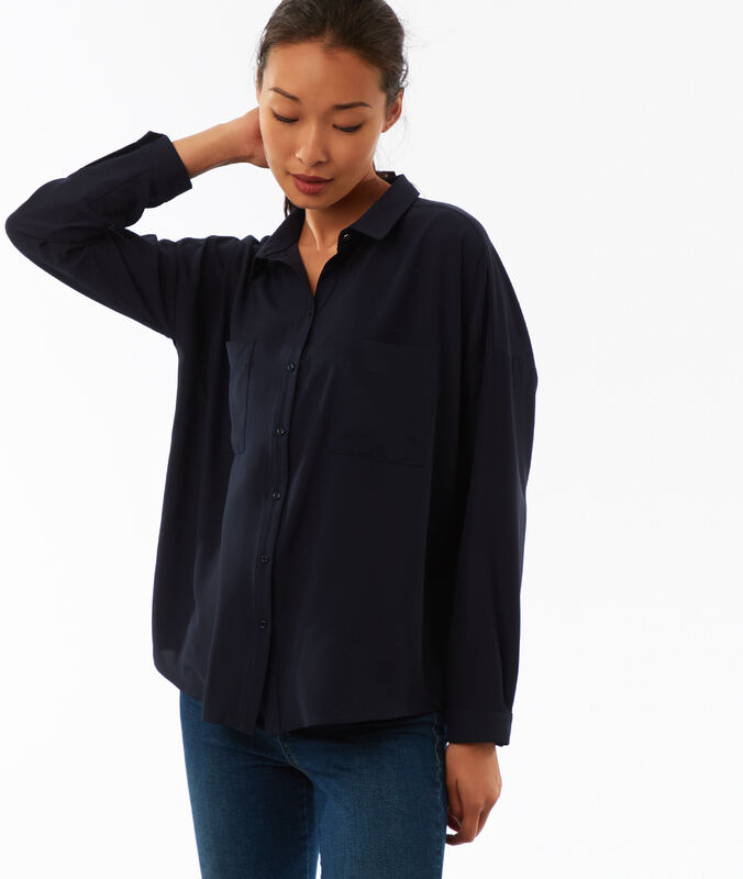 Plain blouse with 2 pockets navy blue.
