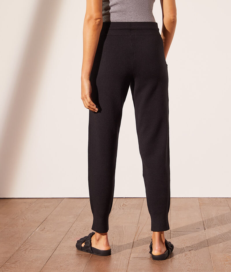 Eco-friendly knitted jogging bottoms