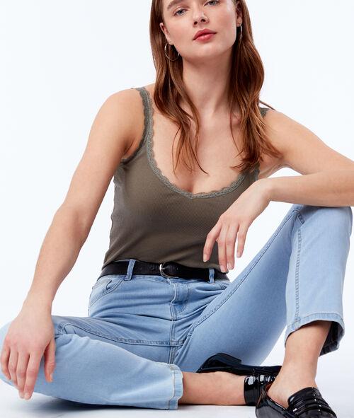 Straight leg jean