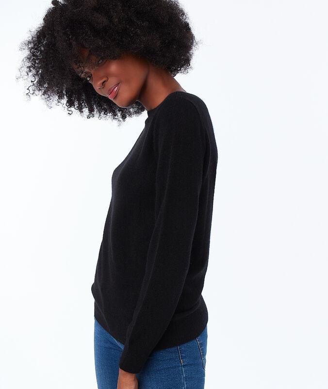 Cashmere boat neck jumper black.