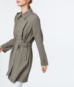3/4-length trench coat khaki.