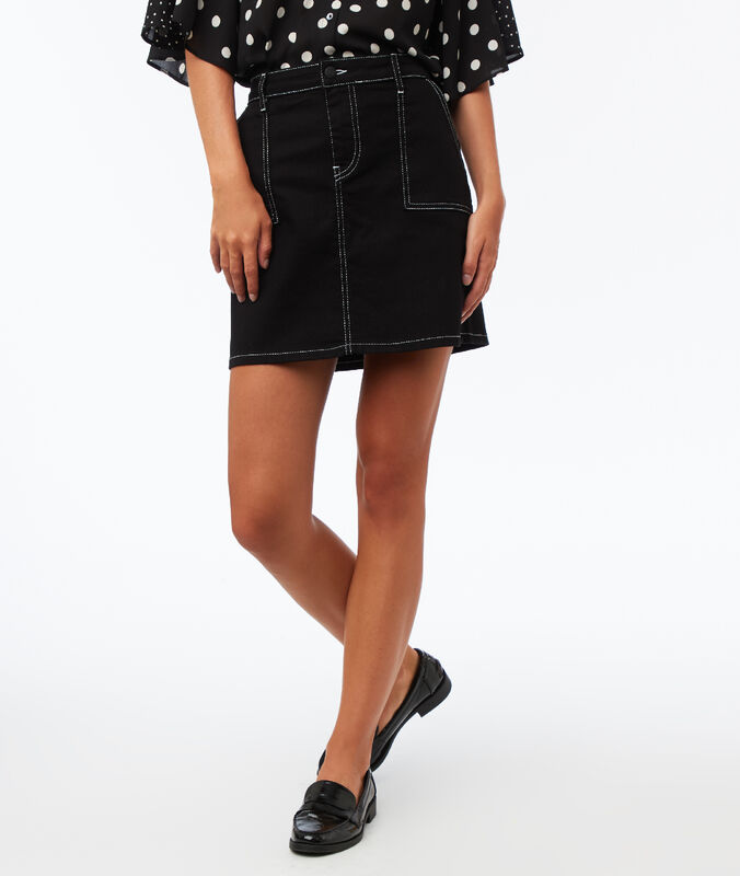 Skirt with topstitched patch pockets black.