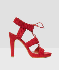 Braided sandals with heels tomato red.