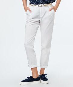 Belted cotton carrot pants ecru.
