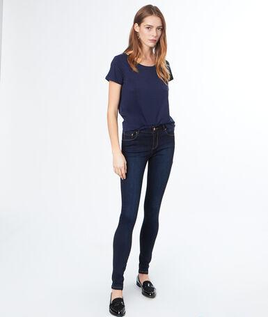 Cotton round-necked t-shirt navy blue.