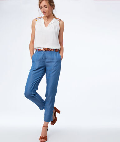 Carrot pants in tencel® medium faded blue.