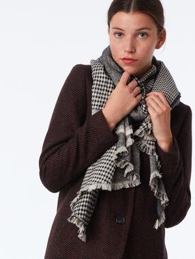 Check scarf black.