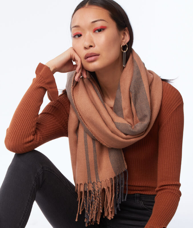 Striped scarf light brown.