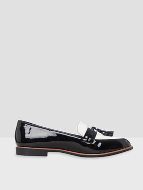 Two tones loafers black.