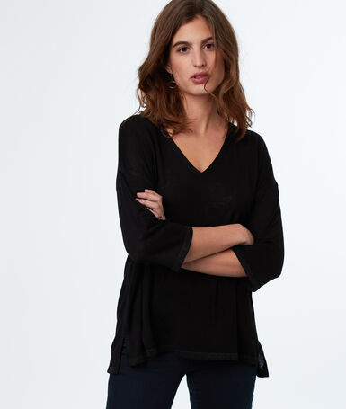 V-neck jumper black.