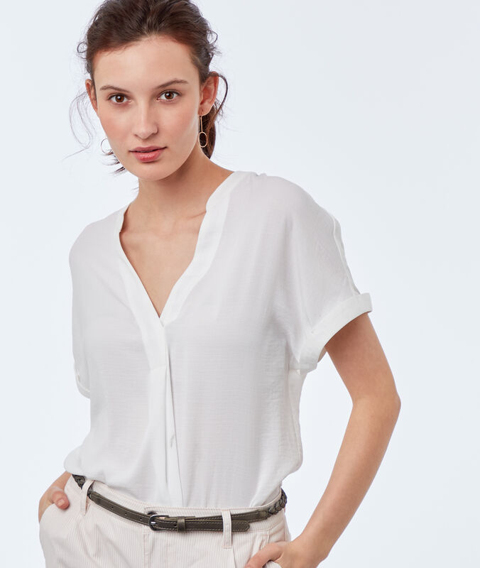 Blouse with tunisian collar off-white.
