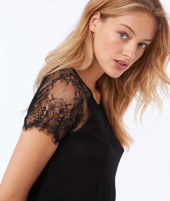 Top with lace panel black.