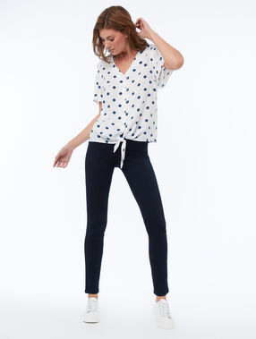 Polka dot top knotted at the front ecru.