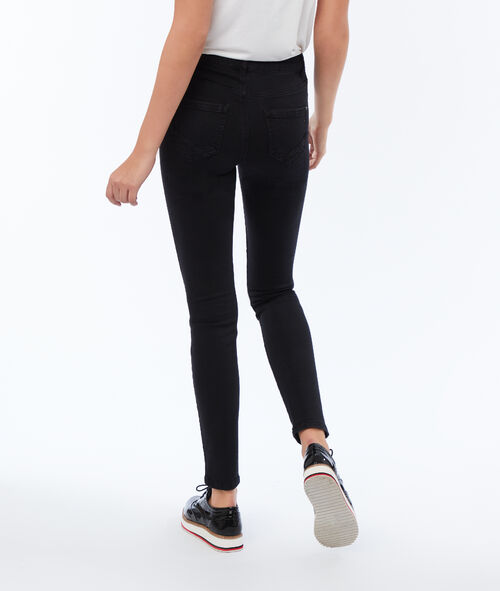 Plain slim pants