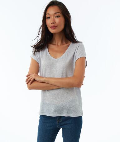 V-neck t-shirt off-white.
