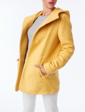 Hooded coat yellow.