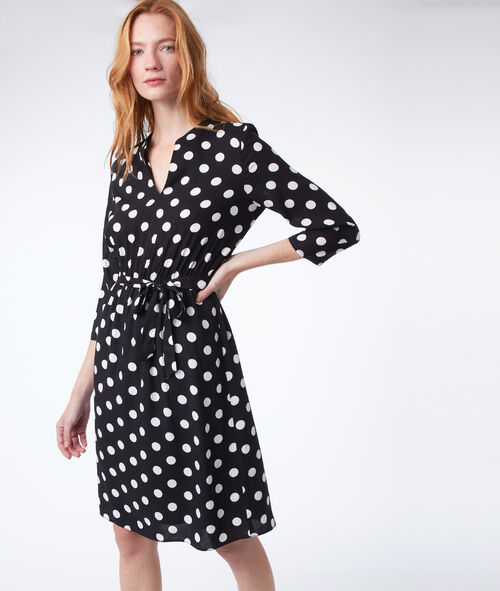 Waist fitted spotted dress