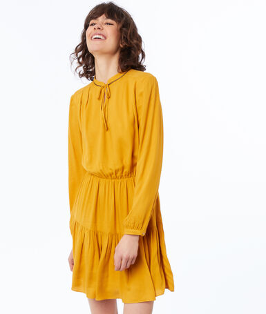 Plain long-sleeved dress ocre.