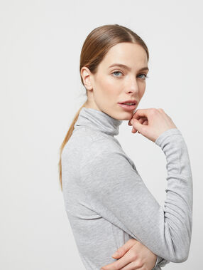 Roll neck jumper light grey marl.