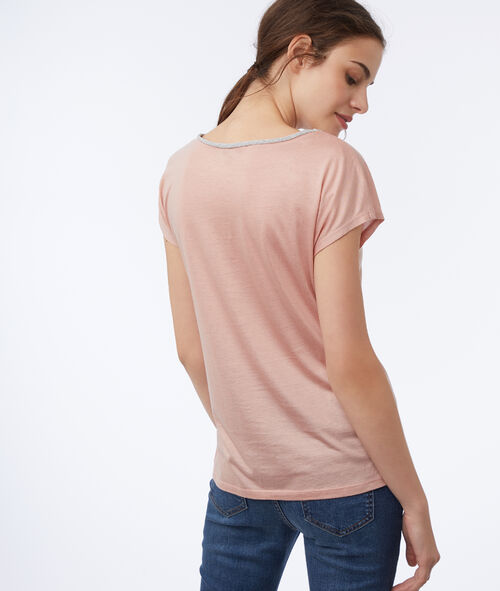 T-shirt with metallic edges
