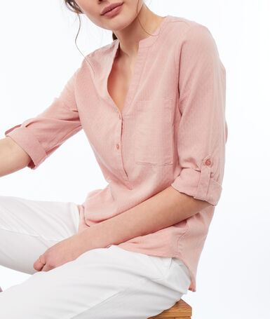 Blouse with tunisian collar light pink.