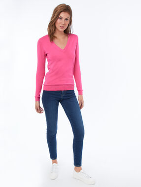 V-neck jumper pink.