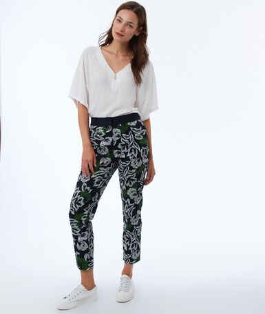 Printed slimline pants green.
