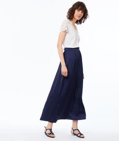 Jupe longue bleu marine.