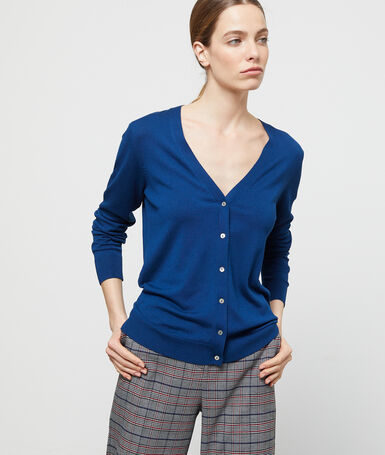 Buttoned cardigan ink blue.