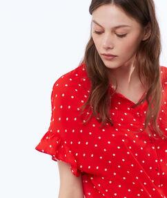 Shirt red.