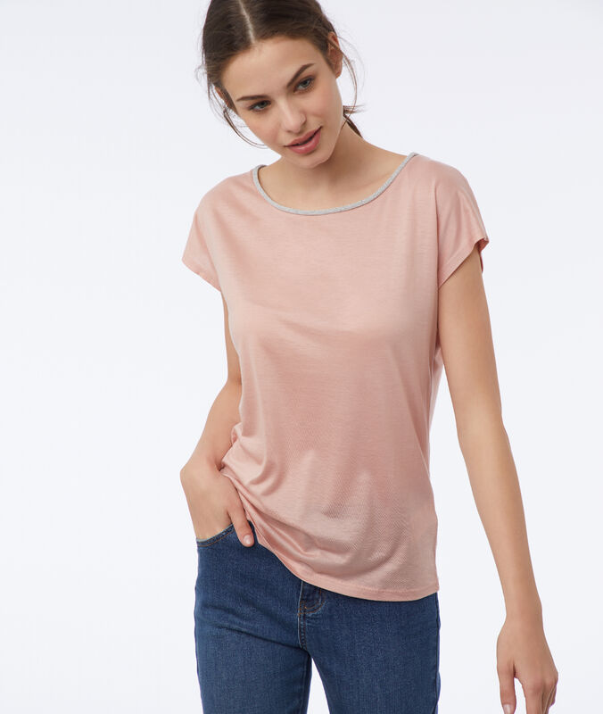 T-shirt with metallic edges nude.