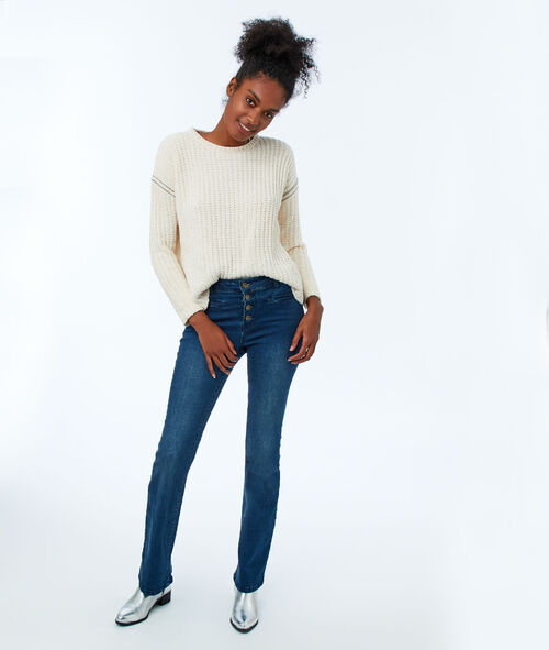 Front-buttoned flare jeans