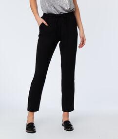 Woven peg trousers black.