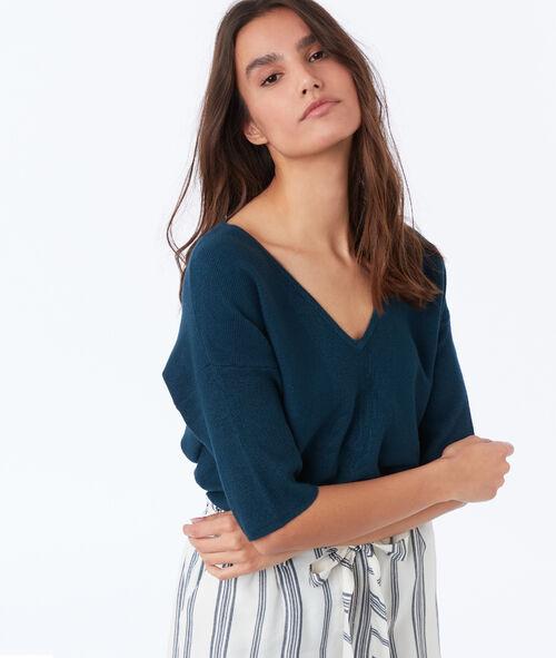 V-neck 3/4 sleeve sweater