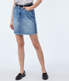 Washed denim skirt lightwash blue.